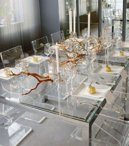 thanksgiving-gold-sprayed-twigs-on-clear-glass-table